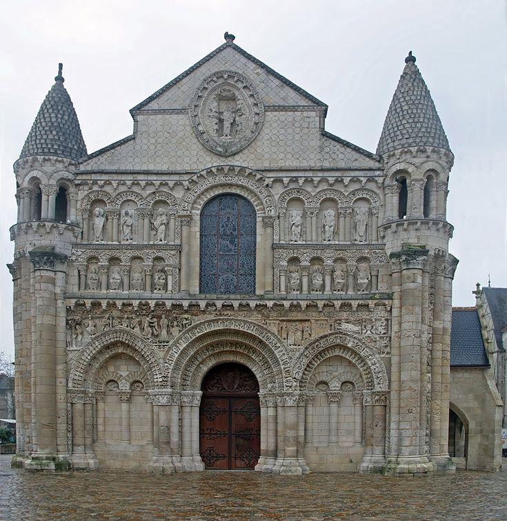 VOYAGER EN FRANCE | Poitiers