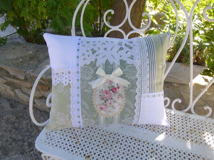 GRAND COUSSIN SHABBY, LINGE ET DENTELLES ANCIENS : Textiles et tapis par le-mas-de-scintille