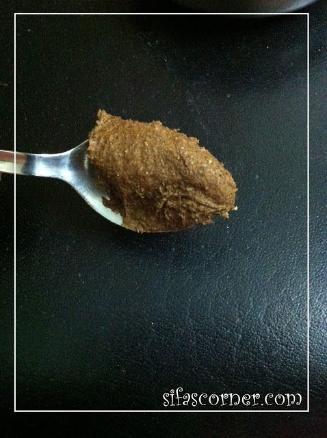 Cinnamon scrub - Get rid of blackhead / whiteheads 1 teaspoon of cinnamon powder + 1 teaspoon of oatmeal or flour + warm water to make paste/scrub