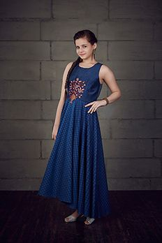 Asymmetrical kurti embellished with resham work from #Benzer #Benzerworld #Kurti #Anarkali #Kidswear #IndianwearForKids