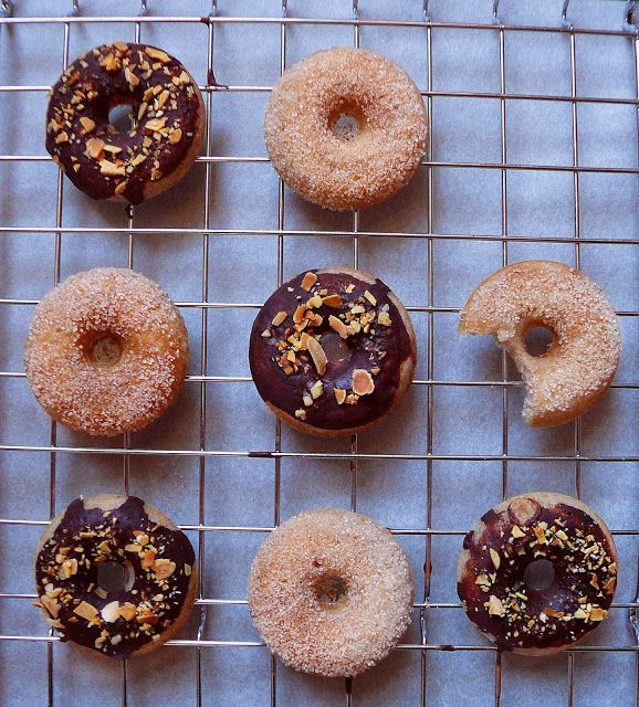 Vöröskaktusz diétázik: Fahéjas és csokis-mandulás fánk (vegán)