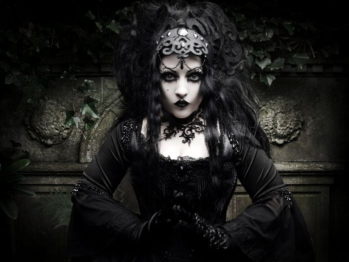 goth girl frame lips - photo #49
