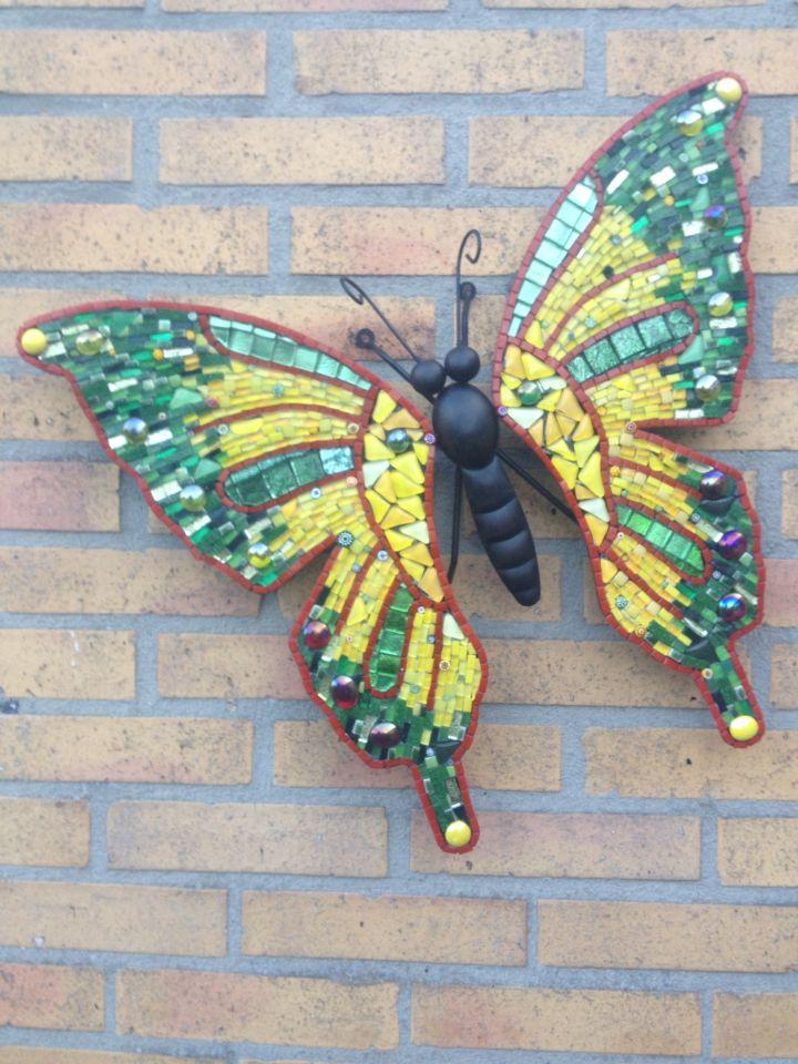 Vlinder in groen/geel. 65 euro Www. Etsy.com CapolavoriDiMosaico