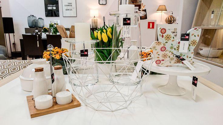 Jeśli szukasz pomysłu na oryginalną aranżację wiosennego stołu, odwiedź nasz salon w Zielonej Górze. Znajdziesz tam wiele inspiracji i dobierzesz efektowne dekoracje. #vox #wystrój #wnętrze #aranżacja #urządzanie #inspiracje #projektowanie #projekt #remont #pomysły #pomysł #design #room #home #meble #pokój #pokoj #dom #mieszkanie #jasne #oryginalne #kreatywne #nowoczesne #proste #wypoczynek #HomeDecor #fruniture #design #interior # stoł