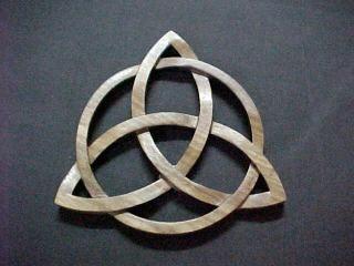 La triquetra ou noeud de trefle celtique - SKYBLOG DE KYOMUSHU un peu schizo lol