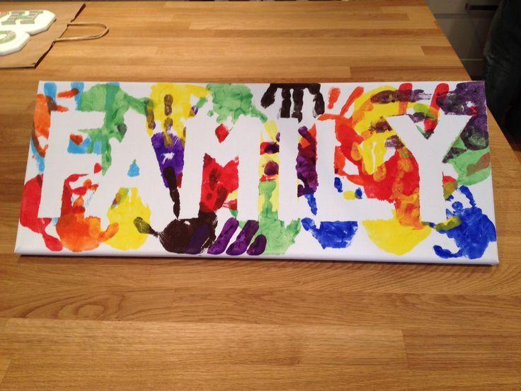 Family handprint banner. Cute idea... - http://www.oroscopointernazionaleblog.com/family-handprint-banner-cute-idea/