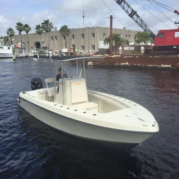 Best 25 center console fishing boats ideas on pinterest for Best center console fishing boats