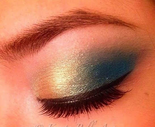 blue and gold eyeshadow-perfect for football season!