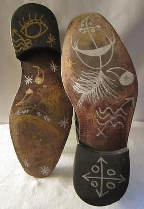 """Hoodoo Magick Rootwork: """"Unda Wata Man's Shoes"""" (""""Shoes for Walking in a Parallel Universe""""), by Tosha Grantham."""