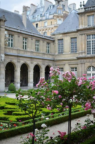 Musee Carnavalet in Le Marais, Paris | dedicated to the history of the city | 23 rue de Sevigne