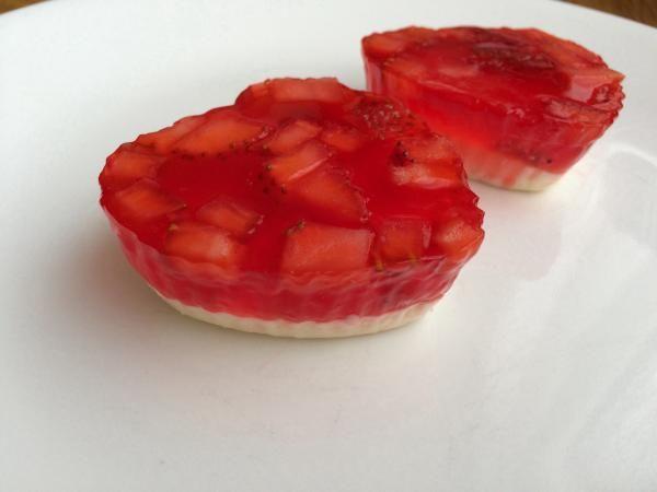 Gelatina de fresa y queso crema