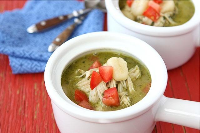 Zuppa di Gnocchi e Pesto! Gnocchi and pesto chicken soup...this looks wonderful! #Recipes