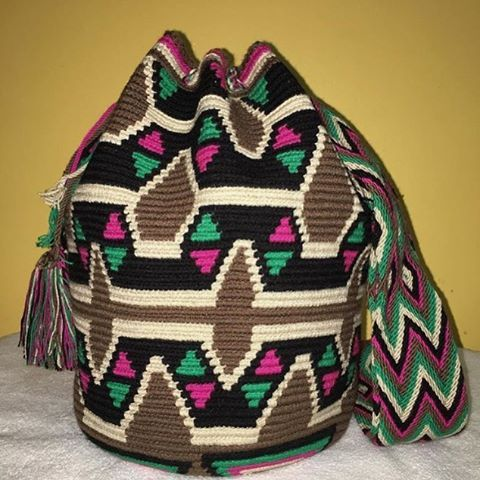 """35 Likes, 1 Comments - Wayuu Bags mochila Bags (@wayuuchilabags) on Instagram: """"Available #wayuubags #chilabags #mochilabags #beach #bohochic #summerbags #beachbags #가방 콜롬비아…"""""""