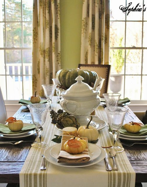 Sophia's: Green and Natural Thanksgiving Tablescape