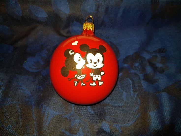Glob pictat manual  Minnie and Mikey #christmasdecoration #paintedglobes #minnie #mikey #1stchristmasmr&mrs #labuhuhu
