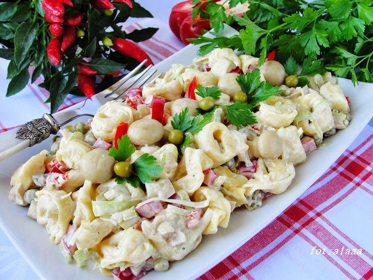 Ala piecze i gotuje: Sałatka warzywna z tortellini