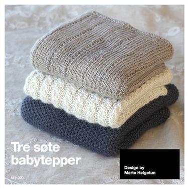 Tre søte babytepper strikket i BabySilk. Alle tre variantene er med i oppskriften. Det ene teppet er strikket i perlestrikk, ett med fletter...
