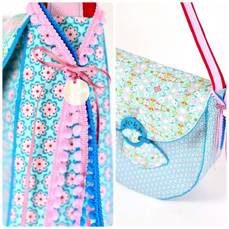 Und die dritte Frühlingstasche... nun sind wir drei (meine Mädels und ich) perfekt für die anstehende Pause ausgerüstet! :-)