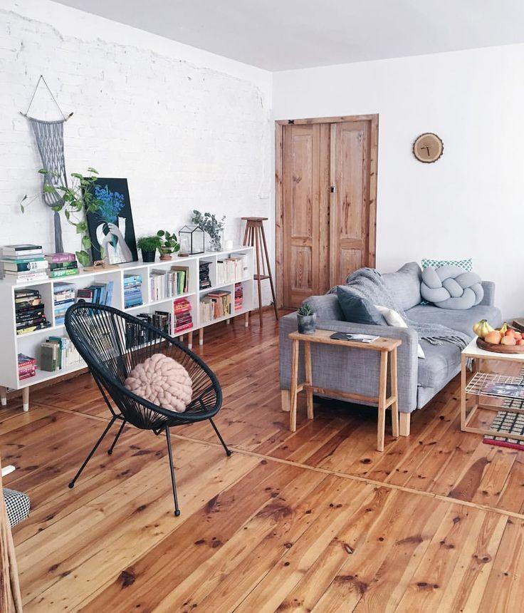 Ikea 'Valje' bookcases @roomor_