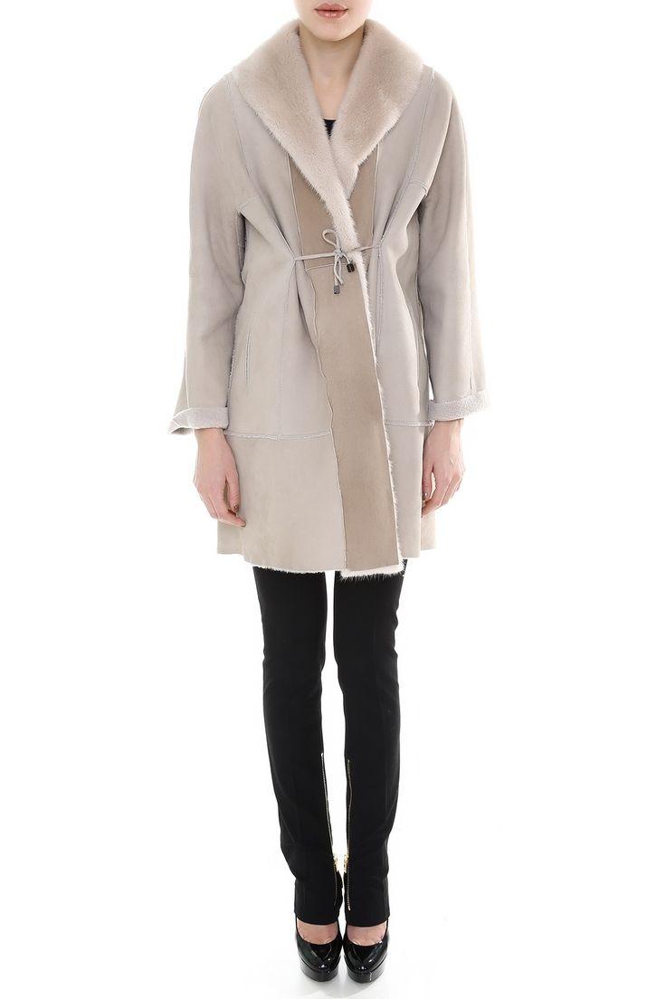 Пальто средней длины прямого кроя на текстильной завязке. Материал: Натуральный мех норки http://oneclub.ua/pal-to-44215.html#product_option11