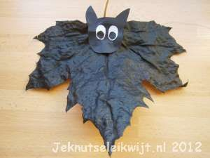 Helloween knutsel vleermuis.