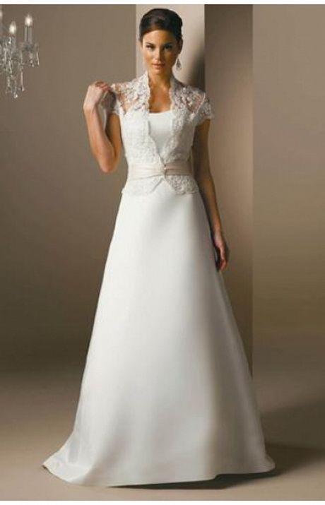 Wedding dress- simple and stunning!