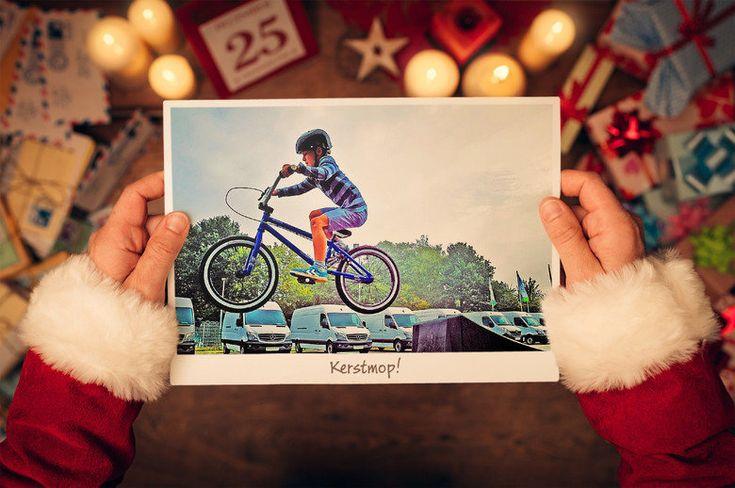 """Kerstmop: Sem vraagt zijn moeder of hij een nieuwe fiets mag hebben. Zijn moeder zegt: """"Je kunt het beste een brief schrijven en opsturen naar..."""