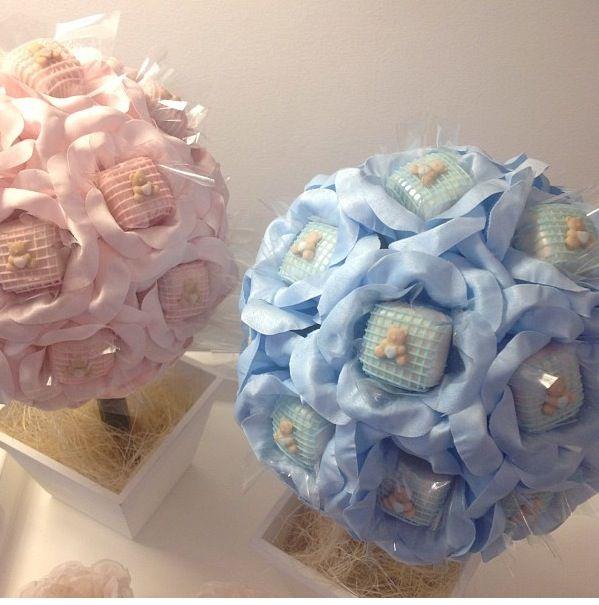 Louzieh Doces - Arvores decorativas de maternidade com bombons.
