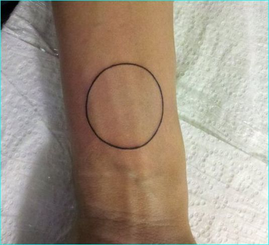 Black Outline Circle Tattoo Design For Wrist