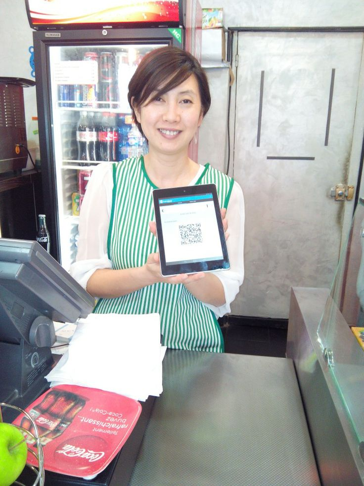 Christine from The Sandwicherie loves the financial flexibility Bitcoin payments give her! Here she is with our merchant app!