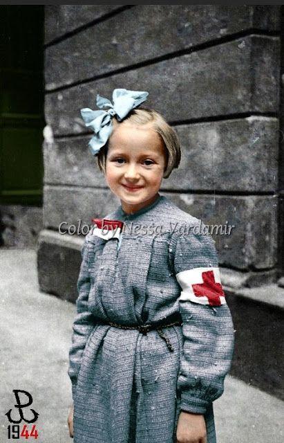 Kolorowy Świat Nessy czyli... Stare zdjęcia ręcznie kolorowane: Dziecko w Powstaniu Warszawskim