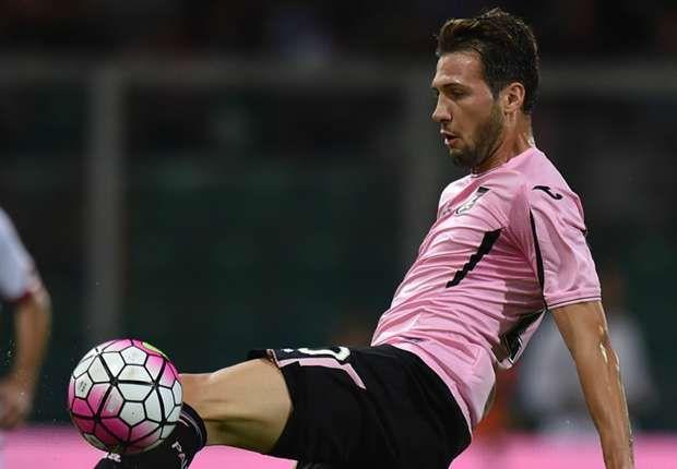 Agen Bola - Franco Vazquez Dibandingkan Dengan Roberto Baggio - Presiden Palermo, Maurizio Zamparini, melakukan suatu perbandingan yang berlebihan dengan menyebut pemain andalannya, Franco Vazquez,...