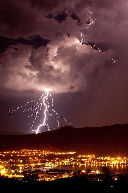 Lightning strikes! #Osoyoos #Okanagan