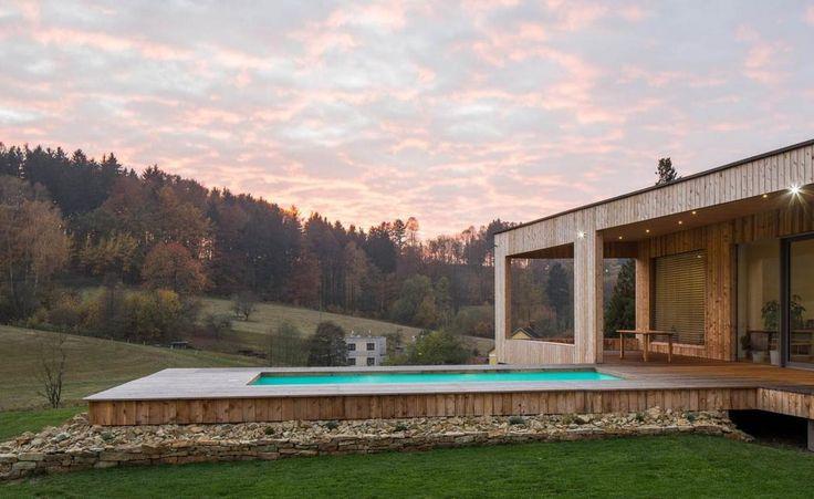 Dům v Černovíru - bazén