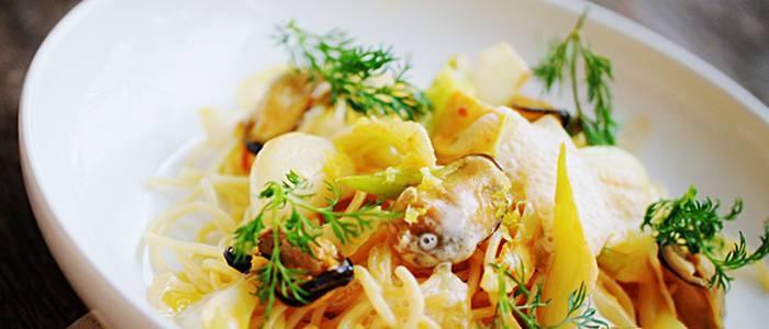 Linguine med rökta blåmusslor, fänkål och citron - recept från Lantmannen.se