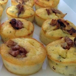 muffins chèvre miel noix http://cuisine.journaldesfemmes.com/gastronomie/recettes-sucrees-salees-au-miel/muffins-chevre-miel-noix.shtml