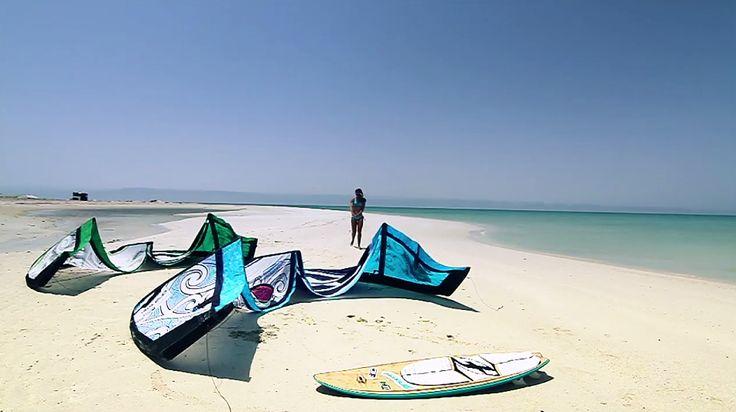 Sit back and enjoy Charlotte Consortis superb Oman trip ►http://buff.ly/1D1q84o #kitesurfing #kiteboarding #oman #travel -ActionTripGuru.com