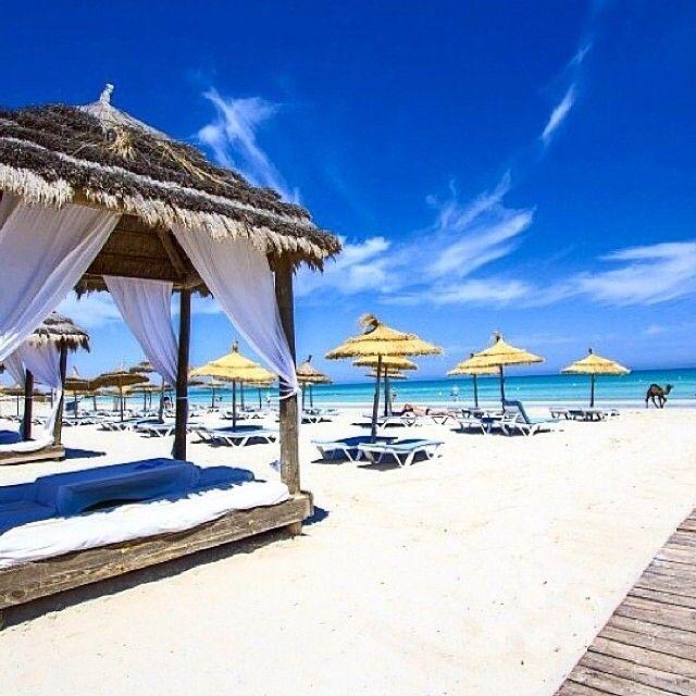 Tunisian Beach شاطئ تونيسي by @tunisia_tunisie_