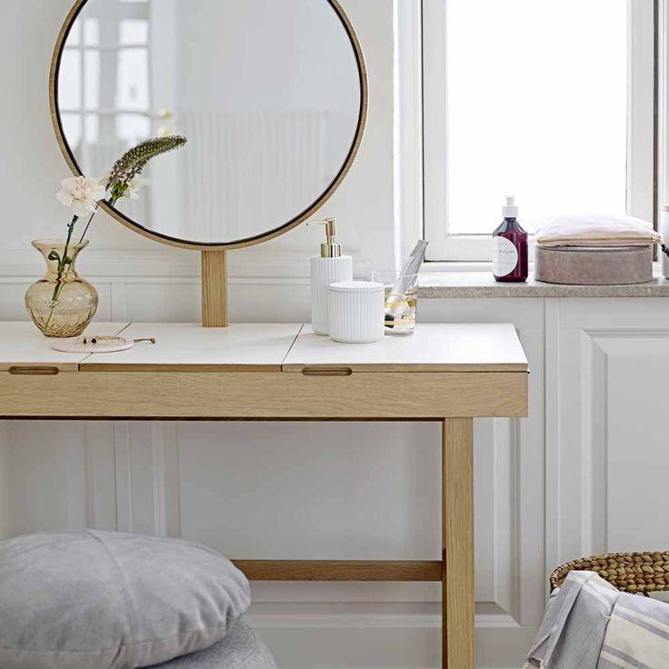 Die besten 25+ Schminktisch mit Spiegel Ideen auf Pinterest - badezimmerschrank mit spiegel
