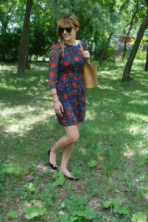 O alta rochita / Another little dress | Fashion without borders