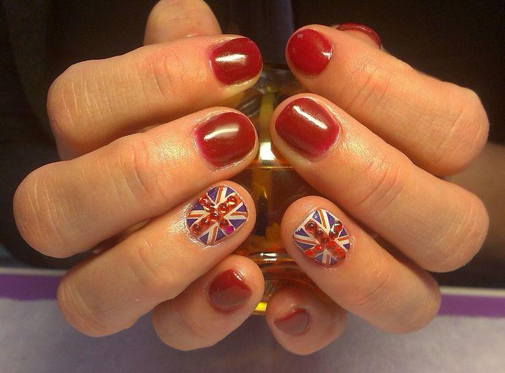яркий маникюр, укрепление ногтей гелем, маникюр в красном цвете, сочетание красного и синего, флаг Великобритании, укрепление ногтей гелем Manicure in red, manicure red and blue, Flag of Great Britain