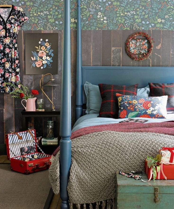 Make your country bedroom ready for Christmas