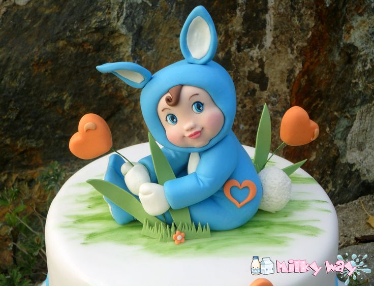 Christening cake topper, baby fondant figure, baby dressed as bunny, bambino pasta di zucchero, coniglio, battesimo