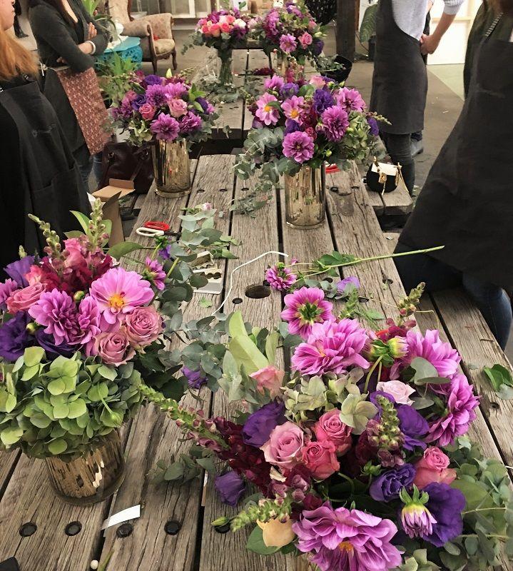 Add flower power to your weekend. Fun floral workshop  #sydneyflowerworkshops #playwithflowers