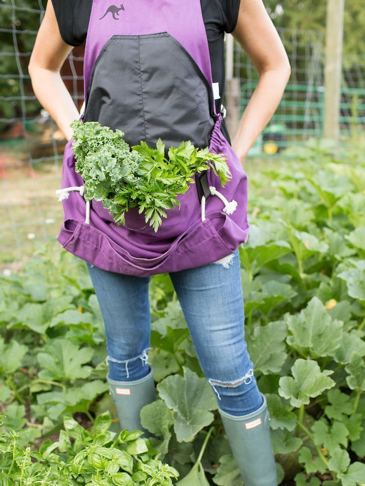 The Roo Gardening Apron / Gifts for Gardeners / Harvesting Tools / Vegetable Gardening 101