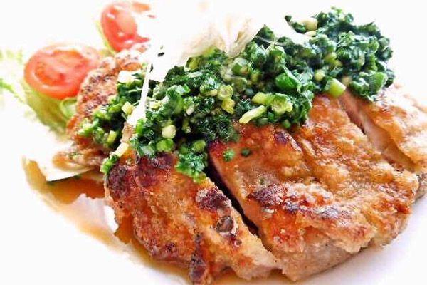 こんにちは。現役ママナースで栄養士、Jr.野菜ソムリエのこうよしです。中華料理の油淋鶏(ユーリンチー)は、鶏皮のパリパリ感とねぎの風味、たれの香味がたまらな...