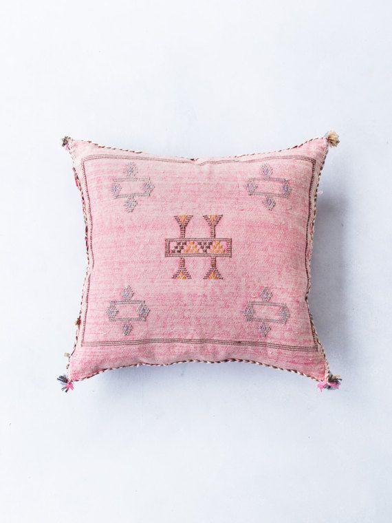 Cactus-zijde Kilim kussensloop roze roze Pastel door LoomAndField