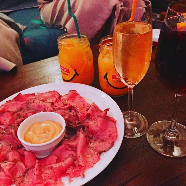 生ハムとローストビーフ食べ放題🐮🐷♡お肉いっぱい食べて幸せ〜っ #肉 #ローストビーフ #食べ放題 #666円 #東銀座 #みいちゃん #あみちゃん #ゆかちゃん #ななたん #あー #夏が楽しみ #1番2番3番4番
