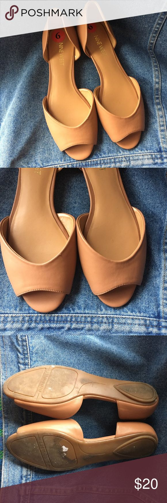 Nine West Penelope Open Toe Flat Woman's 6 Camel In great condition. Check out our closet for great bundle offers! Nine West Shoes Flats & Loafers
