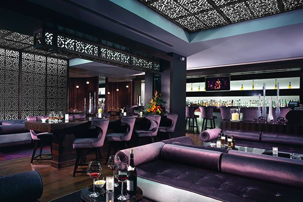 KEMPINSKI HOTEL MALL OF THE EMIRATES | HOTEL DUBAI | L'établissement 5 étoiles Kempinski Hotel Mall of the Emirates est situé à Dubaï, adjacent à Ski Dubaï et permet un accès direct au centre commercial Mall of the Emirates. Les chambres du Kempinski Hotel Mall of the Emirates sont luxueusement meublées et comprennent un coin salon avec une grande télévision à écran LCD. L'hôtel Kempinski est situé dans Al Barsha.